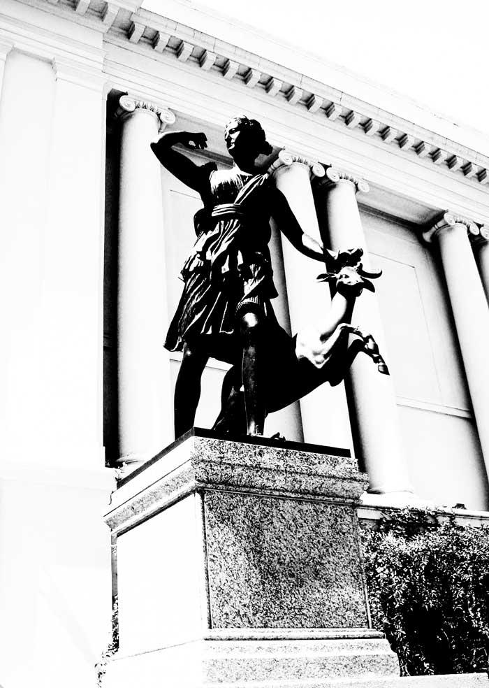 the-statue-700